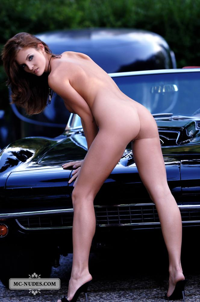 Hot and naked woman is posing on car hood - Linda L - 11
