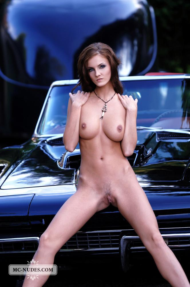 Hot and naked woman is posing on car hood - Linda L - 12