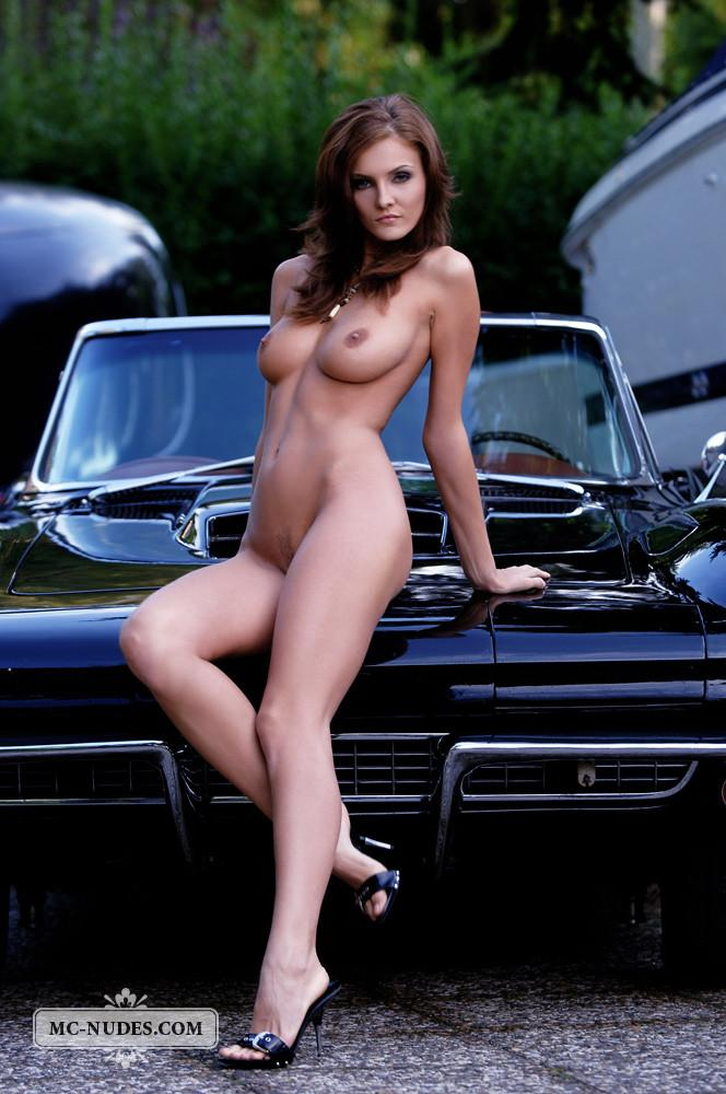 Hot and naked woman is posing on car hood - Linda L - 15