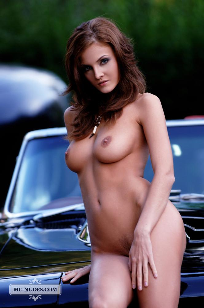 Hot and naked woman is posing on car hood - Linda L - 2