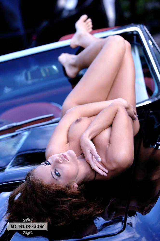 Hot and naked woman is posing on car hood - Linda L - 6