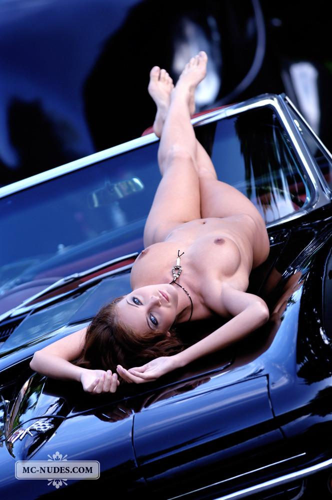 Hot and naked woman is posing on car hood - Linda L - 7