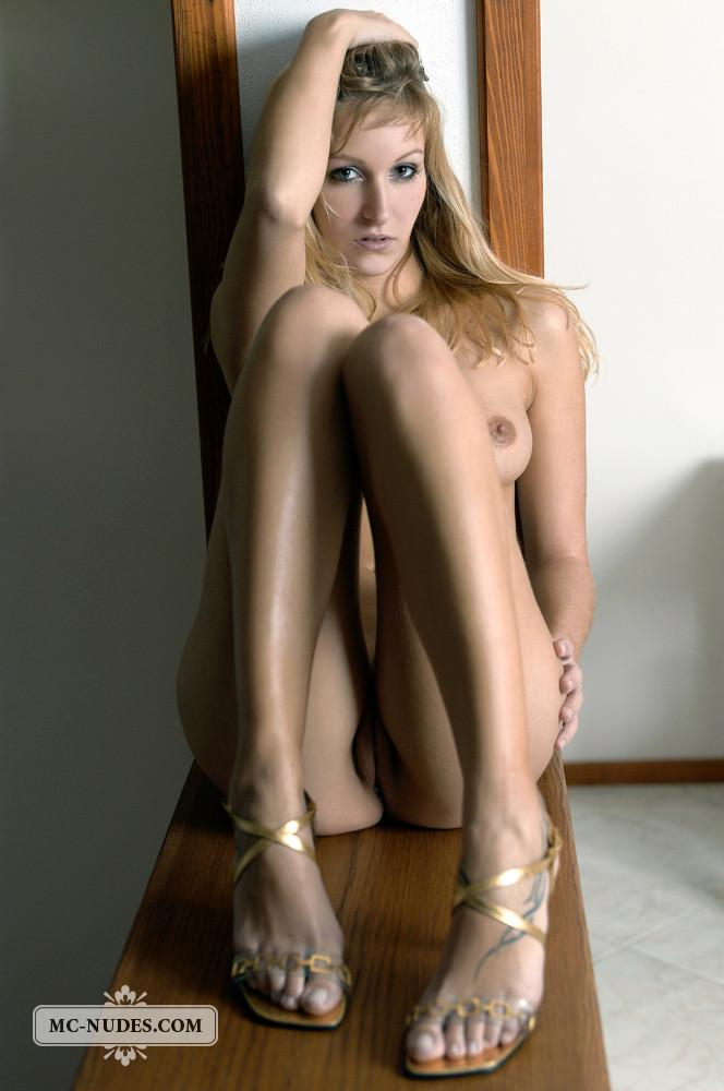 Blonde seductress in gold high heels - Tory - 7