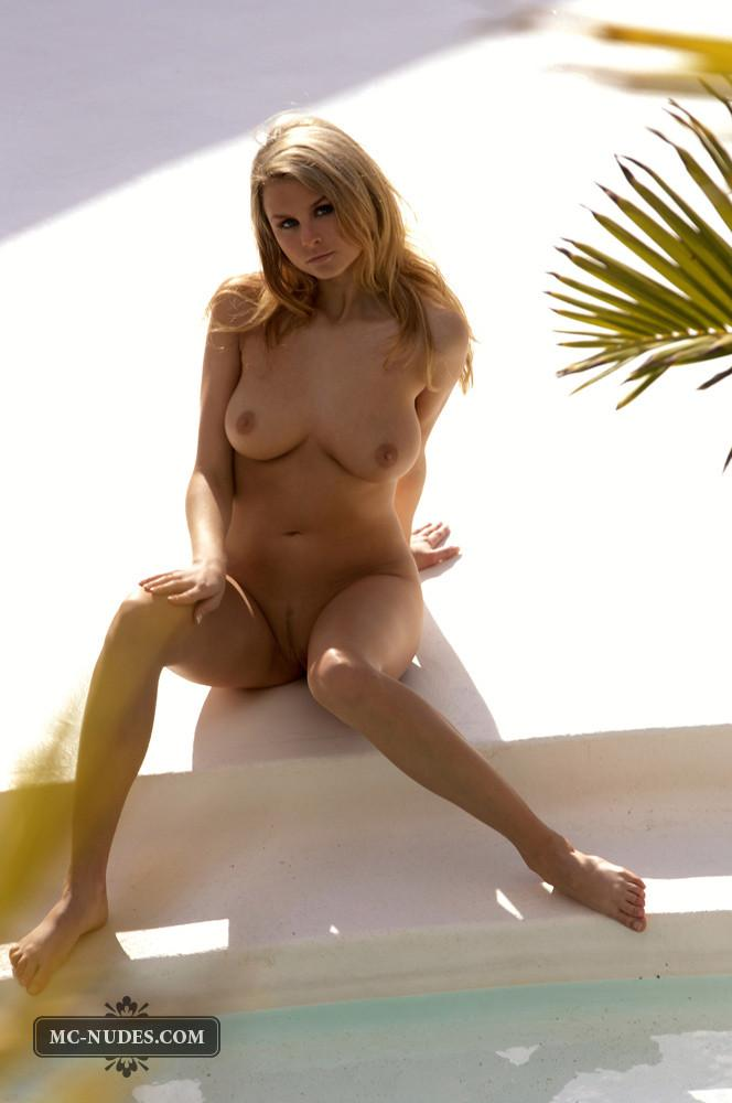 Zoe McDonald is posing naked and sensual - 13