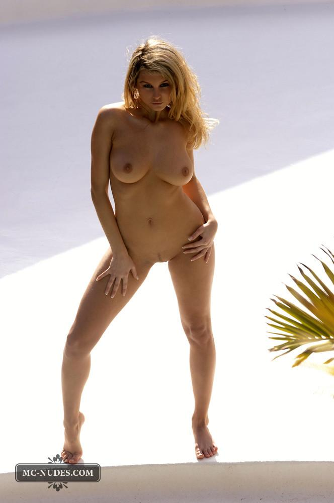 Zoe McDonald is posing naked and sensual - 2