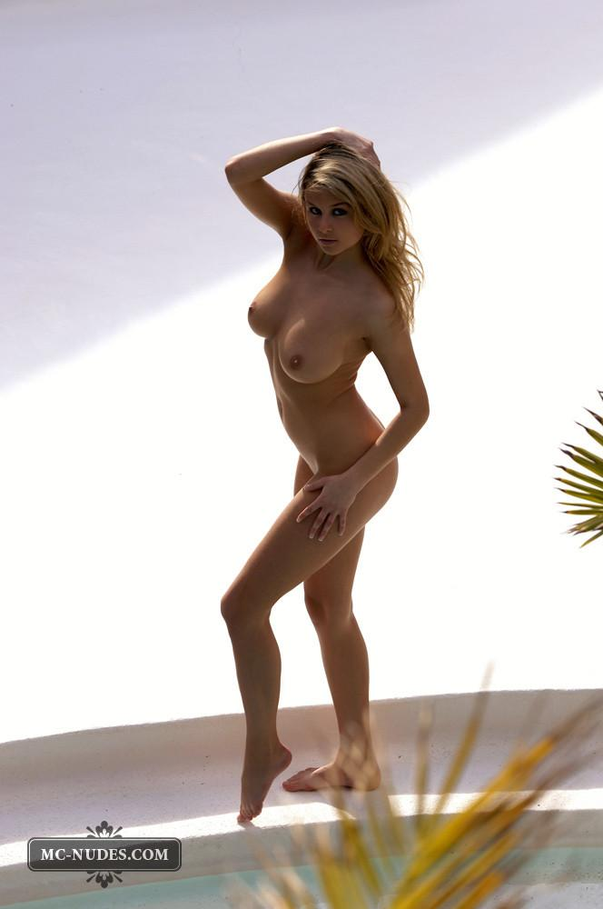 Zoe McDonald is posing naked and sensual - 6