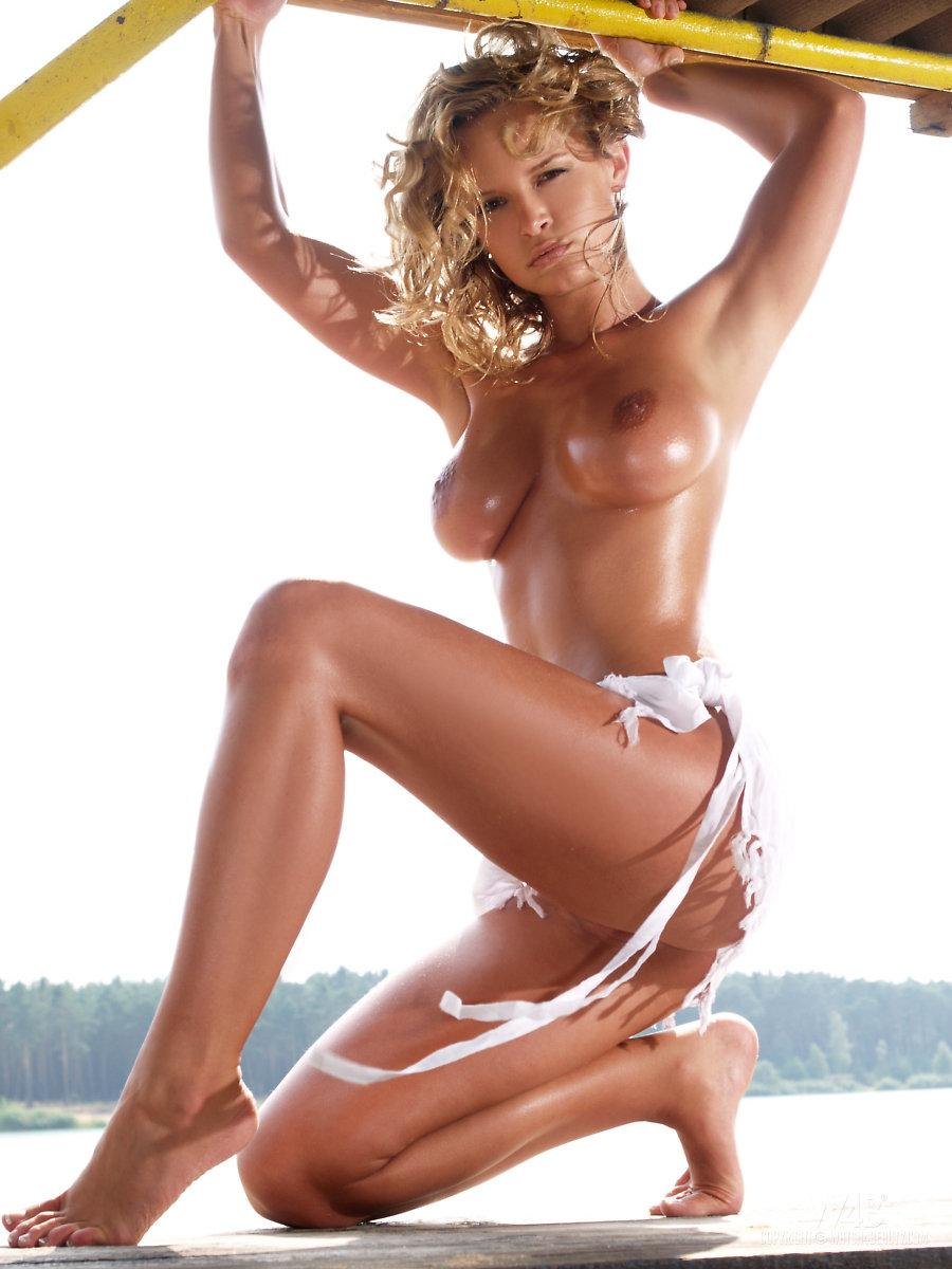 Magnificent blonde with hot tanned body - Peach - 3