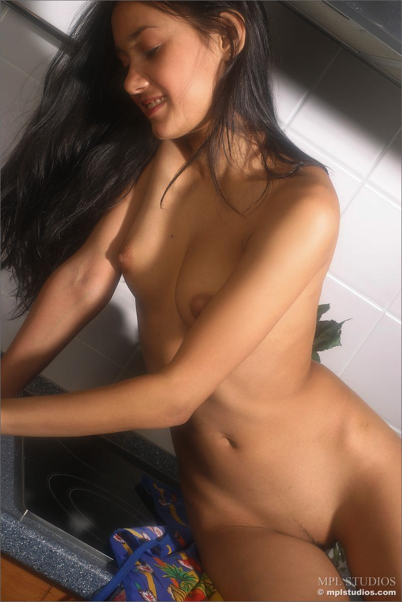 Gorgeous girl in the kitchen - Kamilla - 6