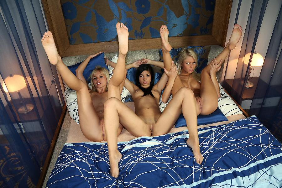 Nude family daughters