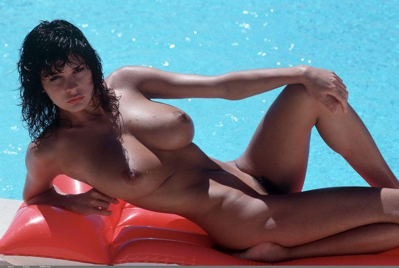 Naked brunette with great body and big boobs - 11