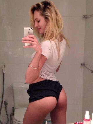 Pretty blonde with pretty ass
