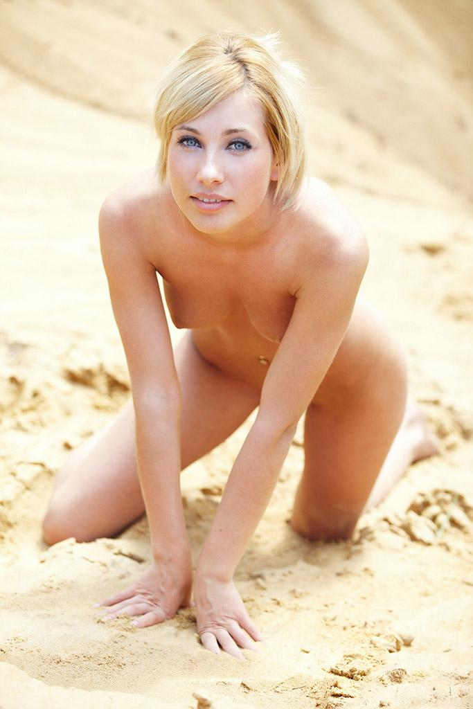 Adorable blonde on sand - Sofia F - 9