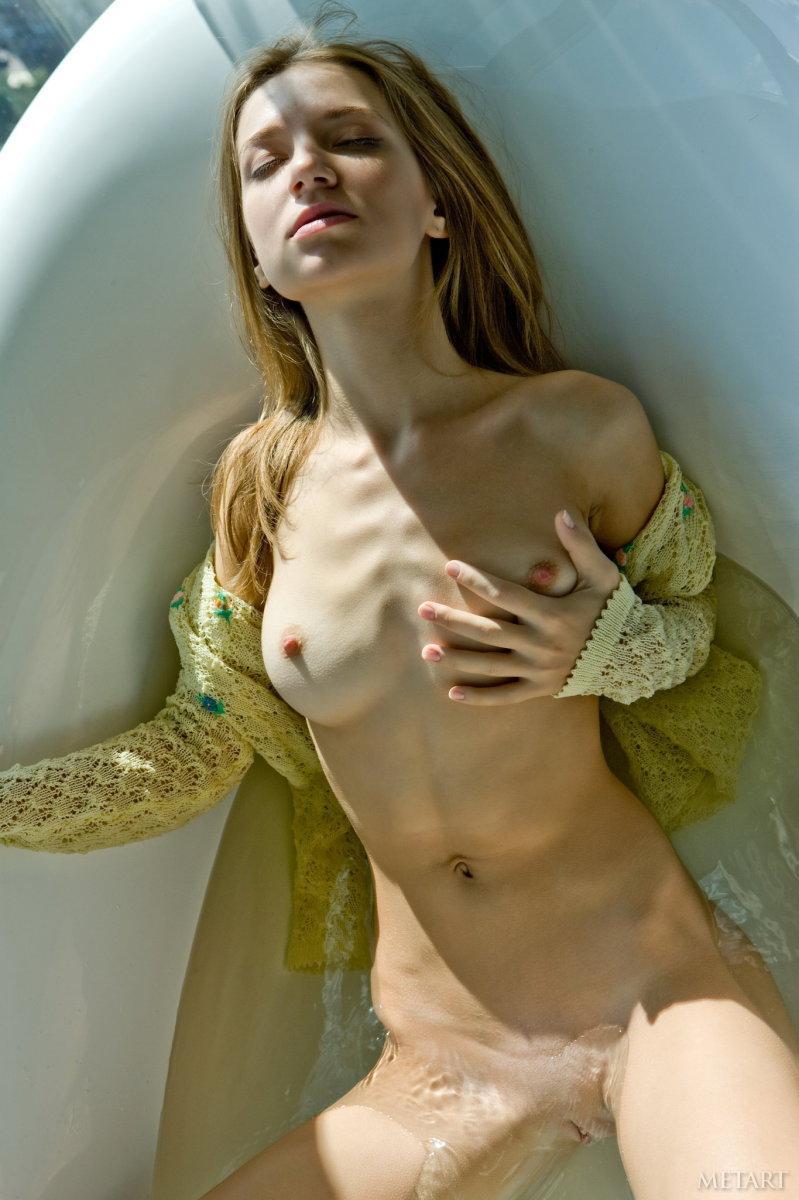 Beautiful young girl in bathroom - Yani A  - 5