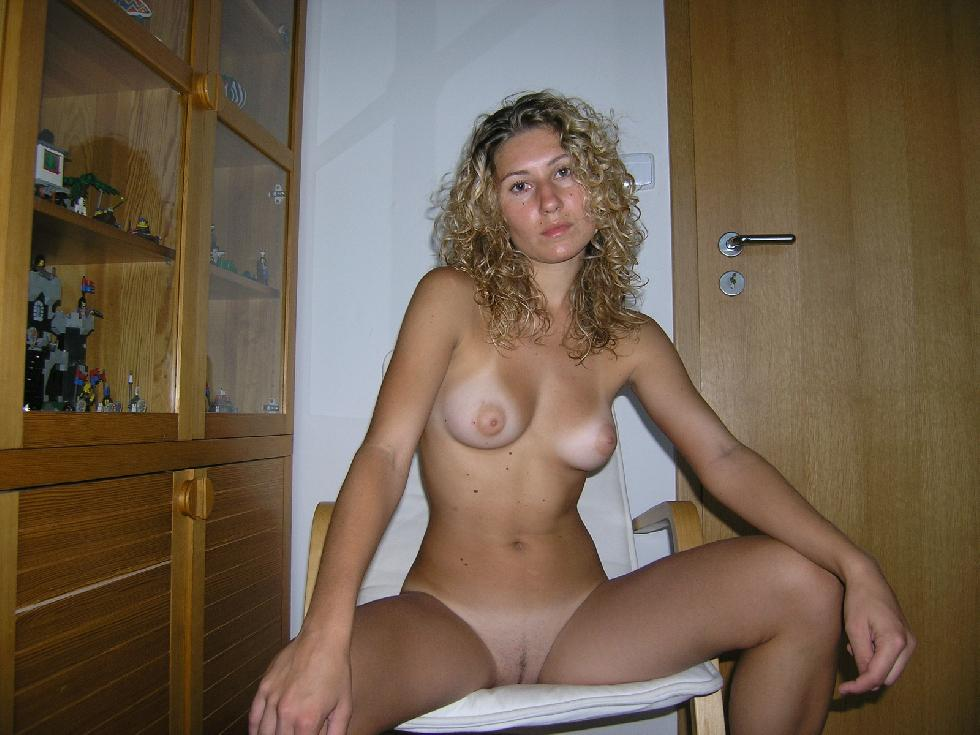 blonde women naked Amateur