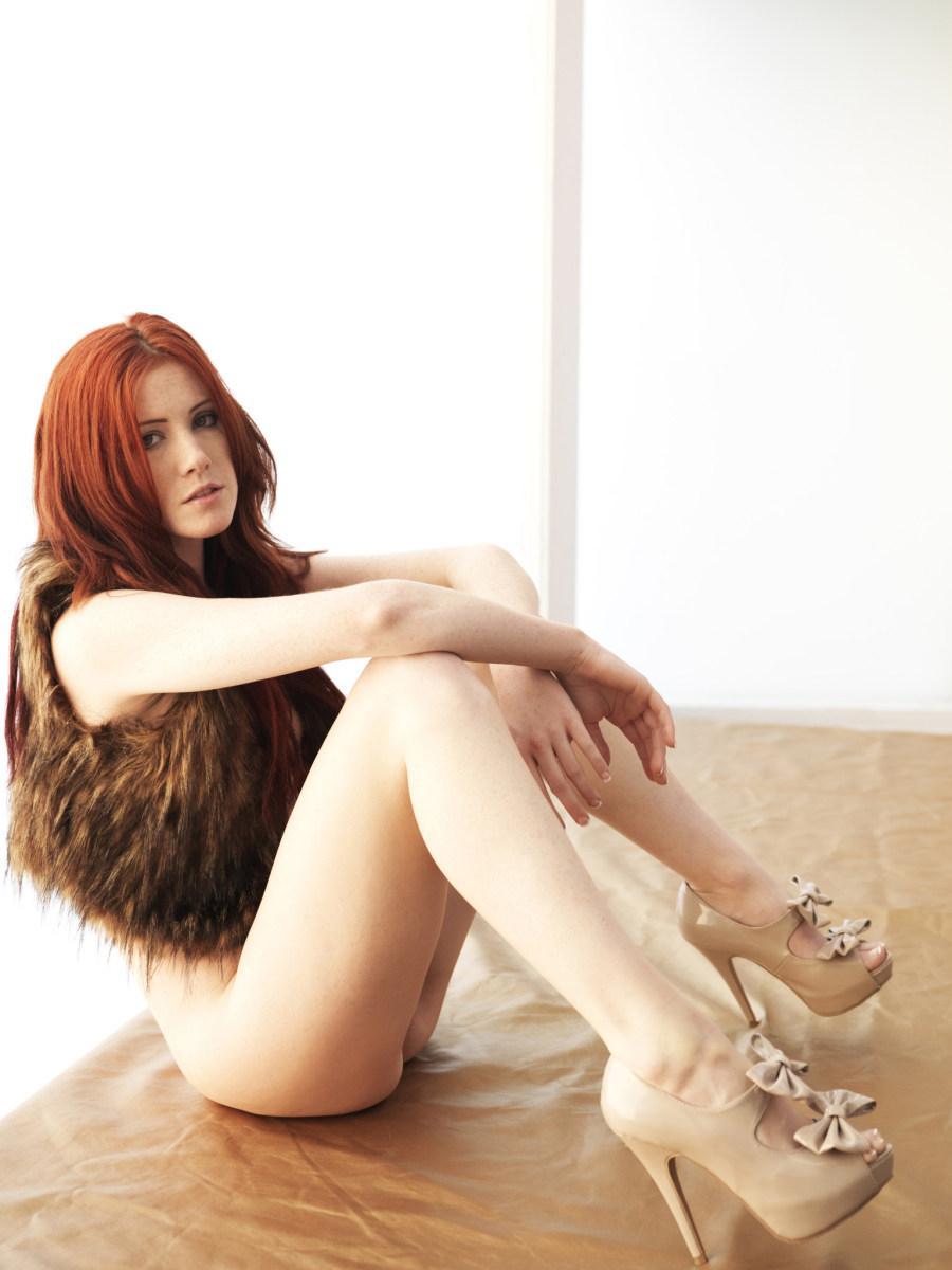Stunning redhead in fur waistcoat - Elle Alexandra - 7