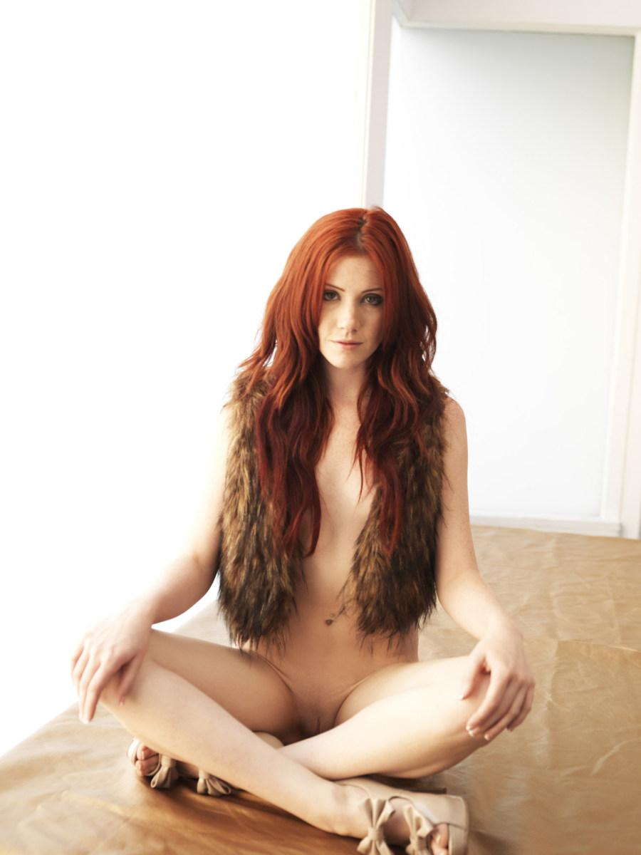Stunning redhead in fur waistcoat - Elle Alexandra - 8