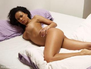 Naked Gabriella is tempting on bed