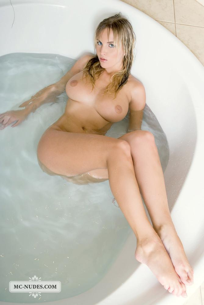 Naked Chikita is taking a bath - 12