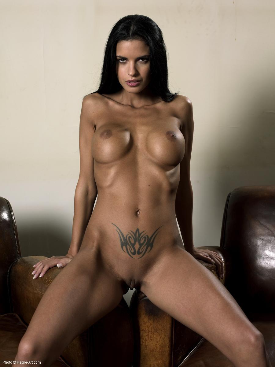 Фото татуированные голые девки 19 фотография