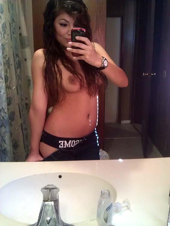 selena gomez naked sexing