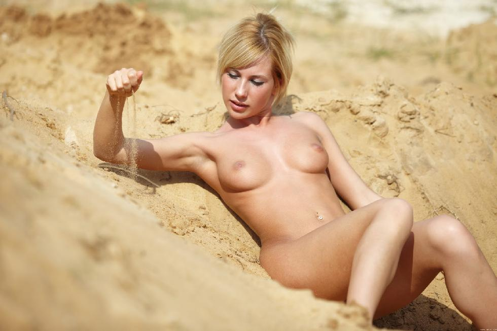 Naked girls on the beach. Part 1 - 11