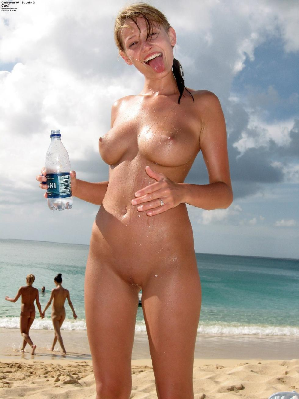 Naked girls on the beach. Part 1 - 18