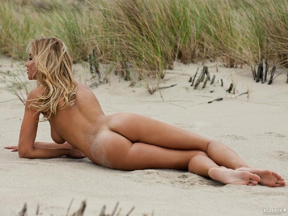 Naked girls on the beach. Part 1 - 22