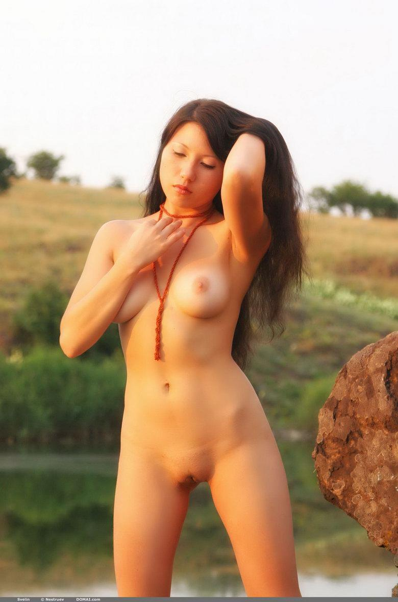 Pretty Asian is posing naked outdoor - Svelin - 13