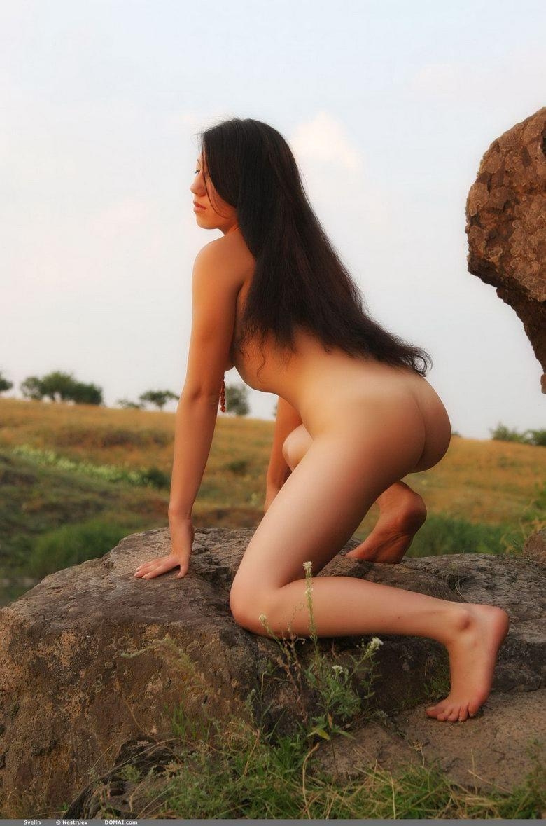 Pretty Asian is posing naked outdoor - Svelin - 15