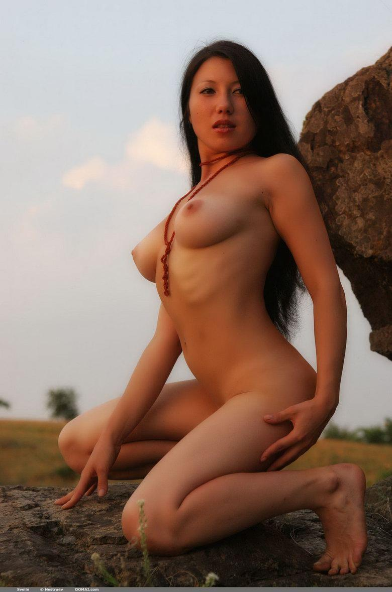 Pretty Asian is posing naked outdoor - Svelin - 16
