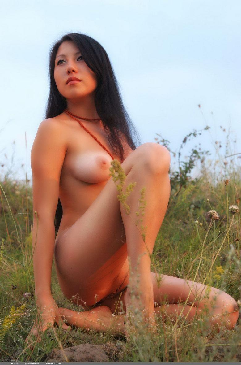 Pretty Asian is posing naked outdoor - Svelin - 24