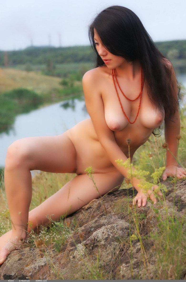 Pretty Asian is posing naked outdoor - Svelin - 26