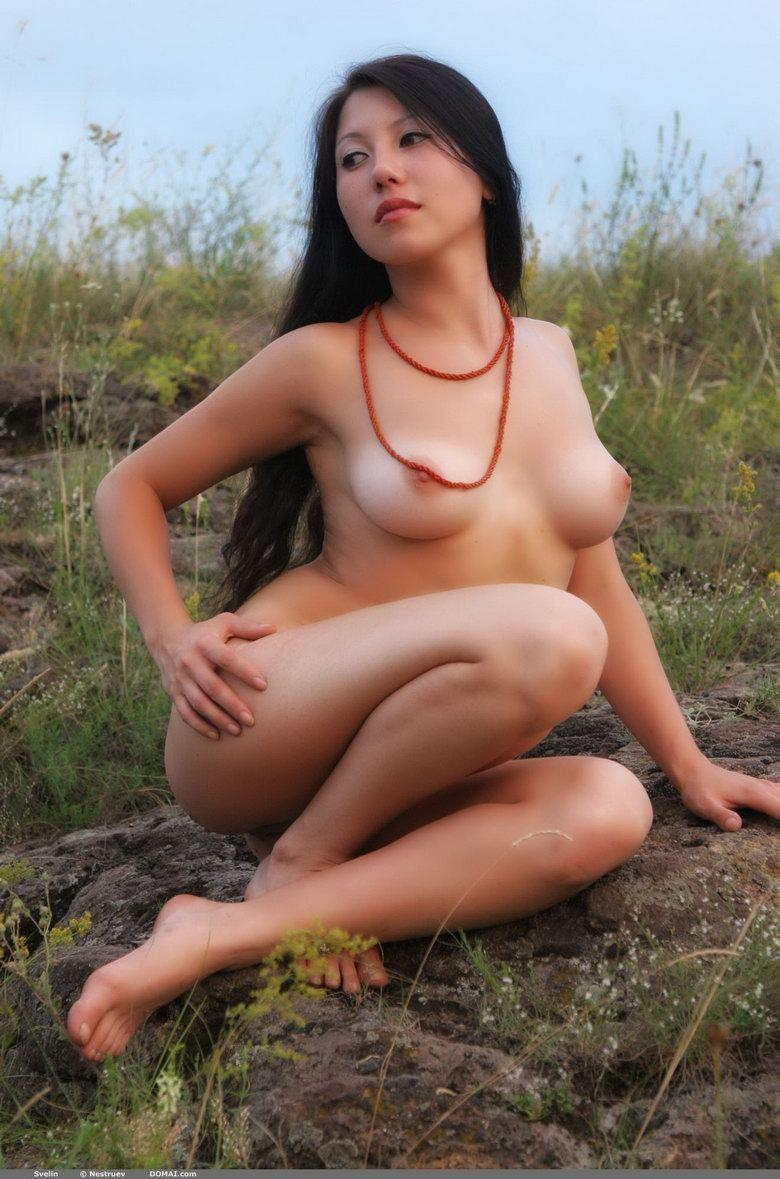 Pretty Asian is posing naked outdoor - Svelin - 28