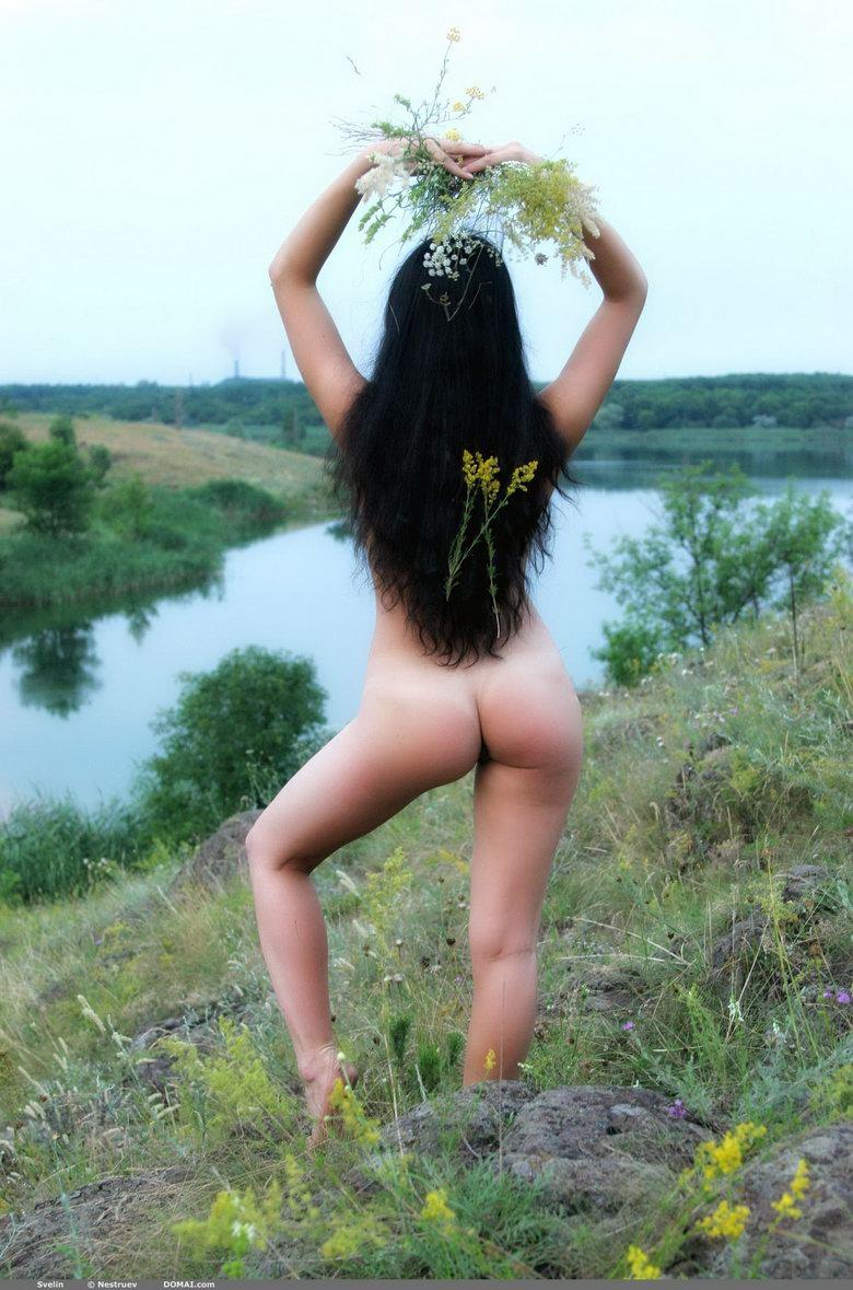 Pretty Asian is posing naked outdoor - Svelin - 29