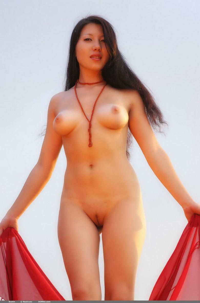 Pretty Asian is posing naked outdoor - Svelin - 4