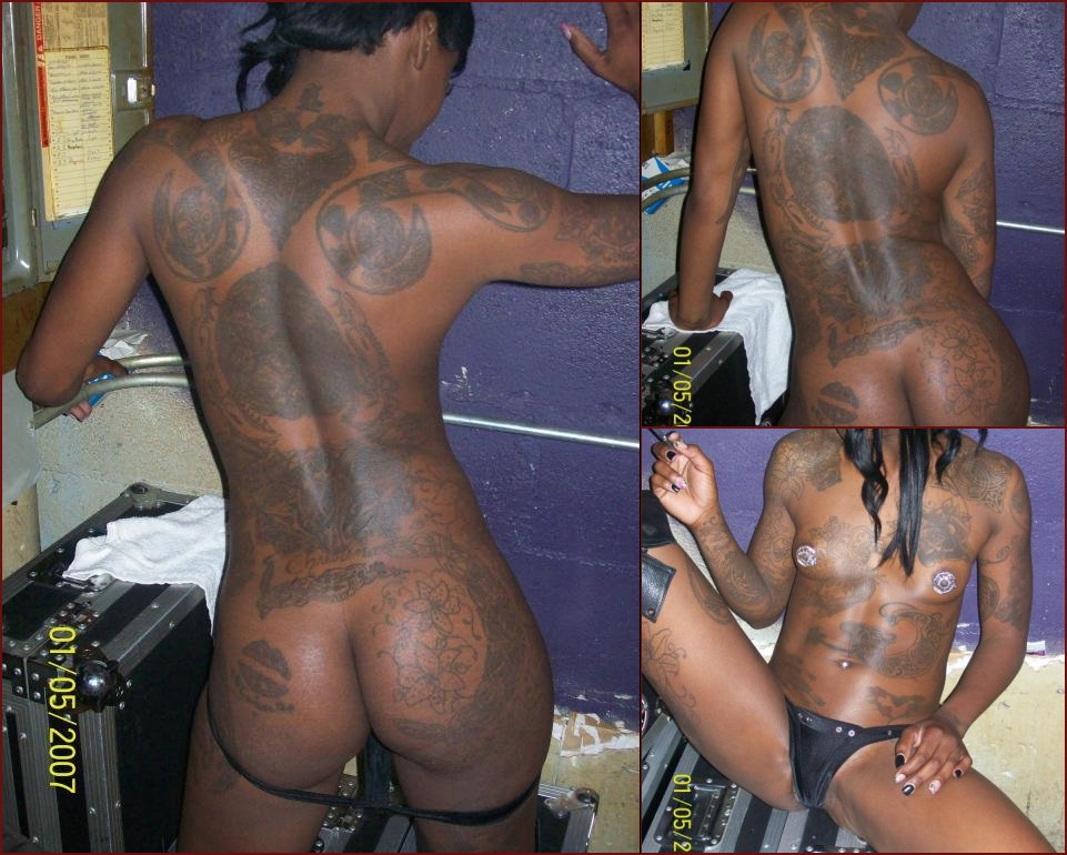 Ebony with huge tattoos - 24