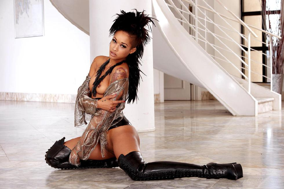 Amazing ebony named Skin Diamond - 7