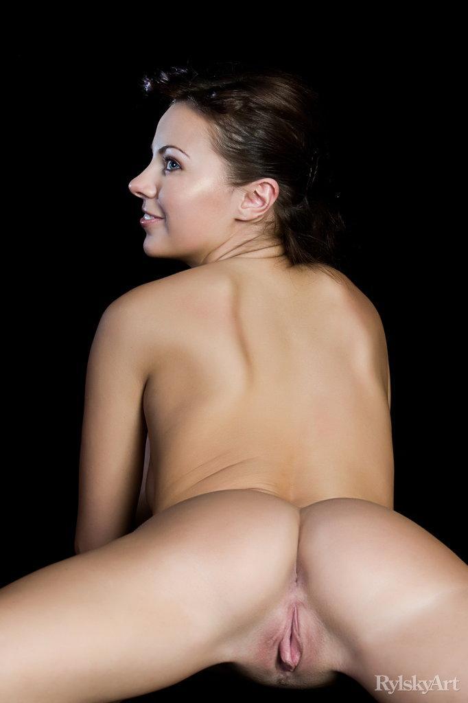 Tight nude ass