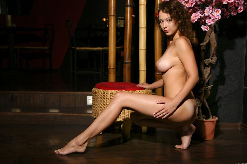 Fabulous naked girl with flower in curly hair - Veronika - 3