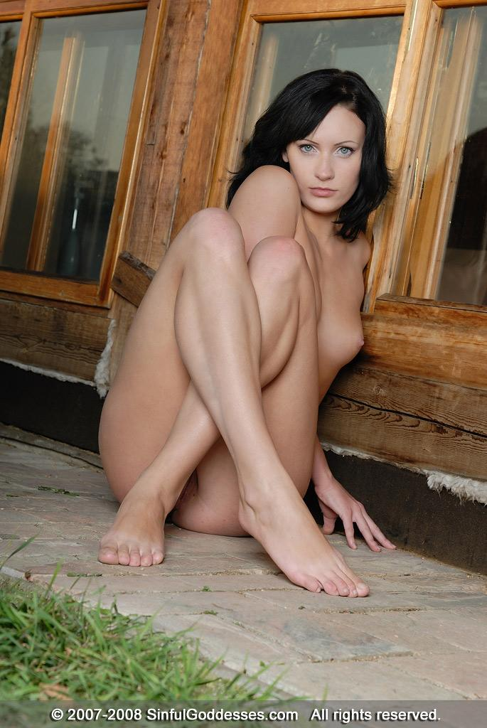 Naked brunette is posing in front of house - Vivian - 10
