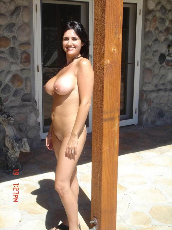 Naked wife with huge natural boobs - 1