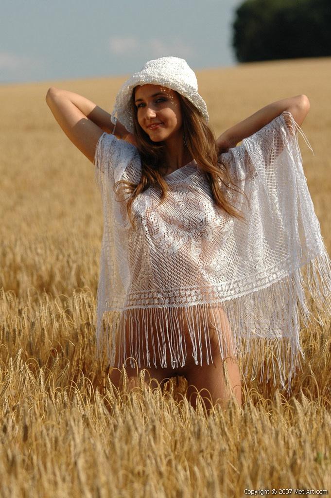 Sweet Franka in the fields - 3