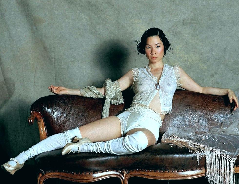 Naked session with Lucy Liu - 6