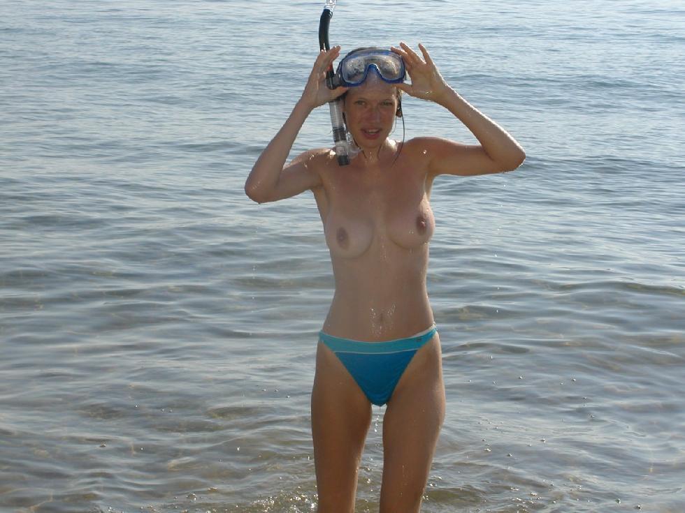 nude snorkeling busty women