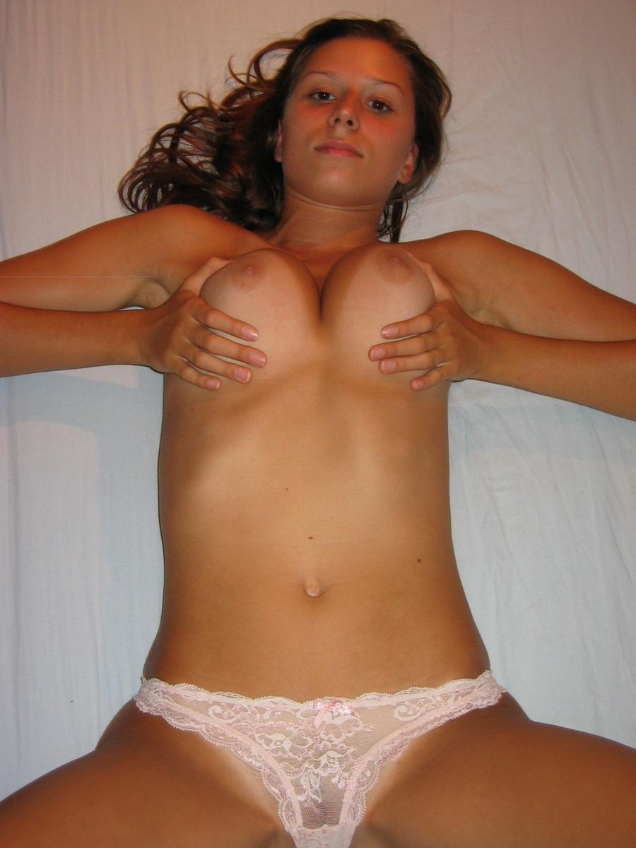 Alina is showing her lovely tits - 9
