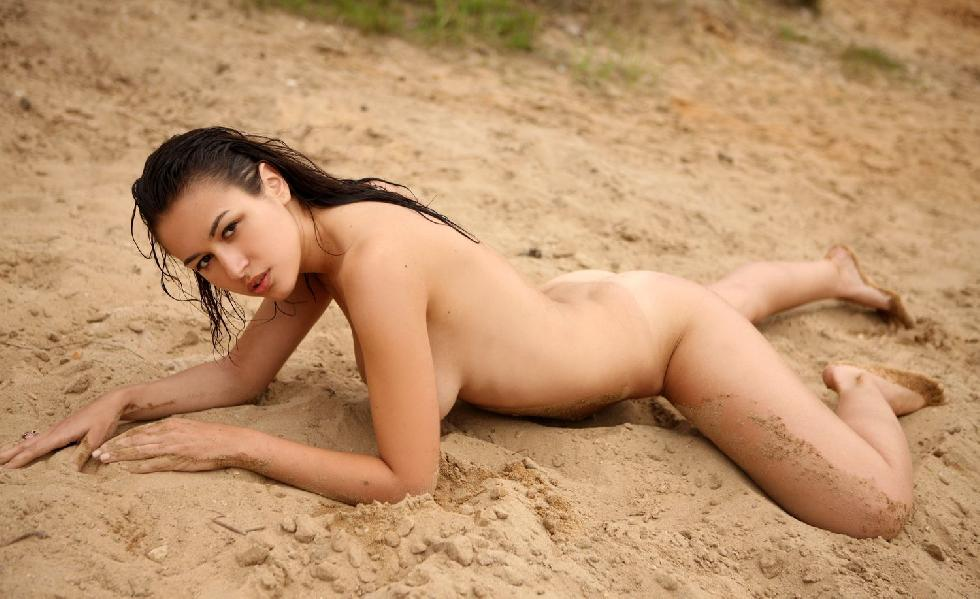 Naked girls on the beach. Part 2 - 16