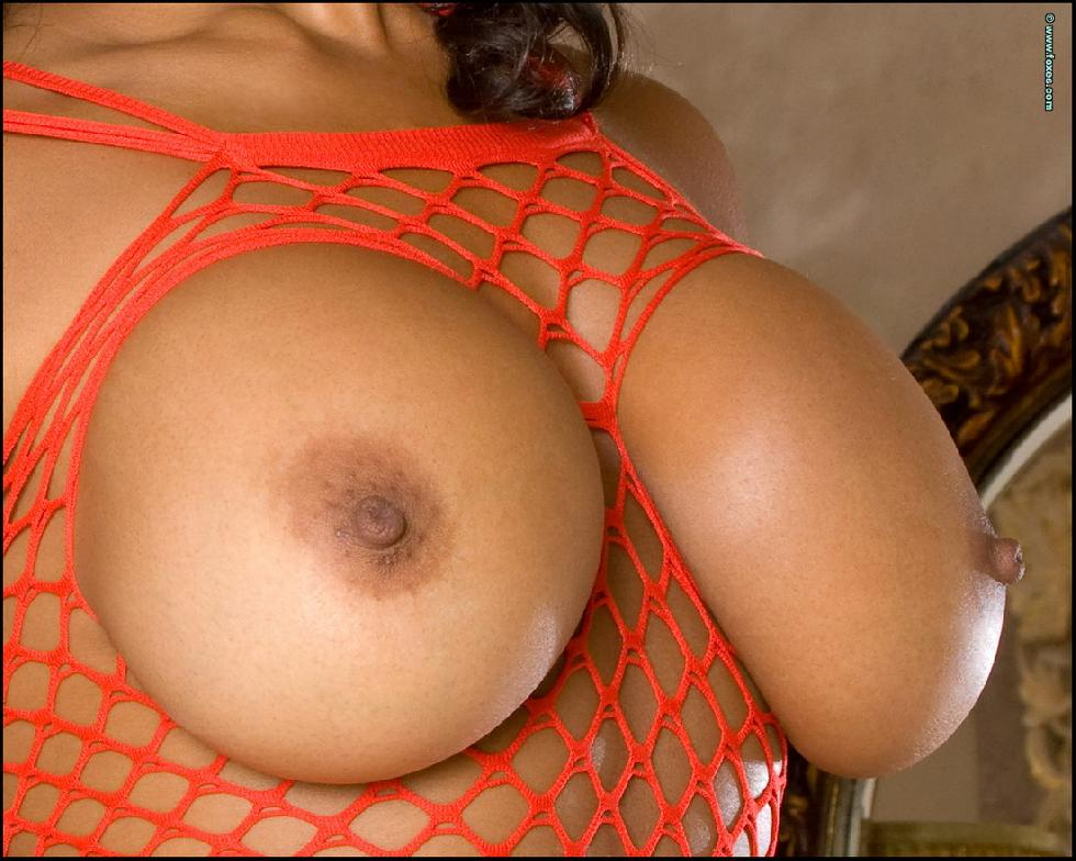 Sexy ebony with huge boobs - Eden Evans - 1