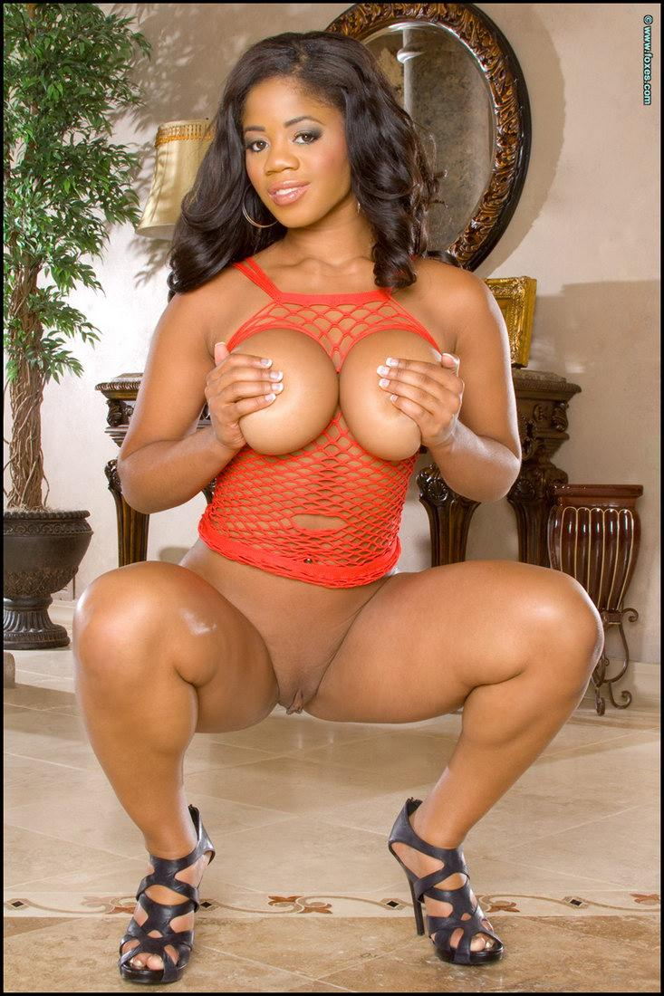 Sexy ebony with huge boobs - Eden Evans - 10