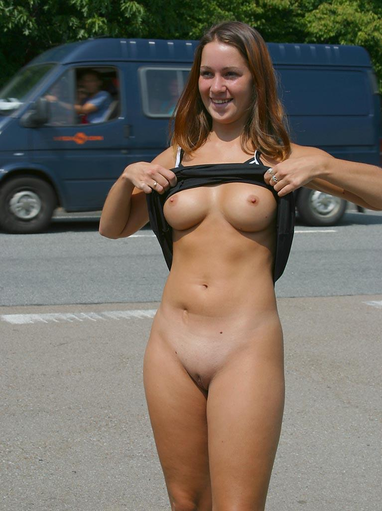 Nude in public places - Ivette - 10