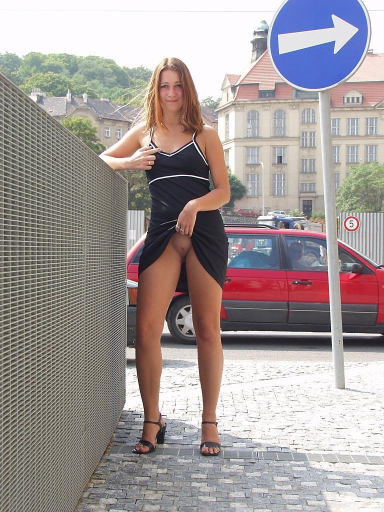 Nude in public places - Ivette - 15